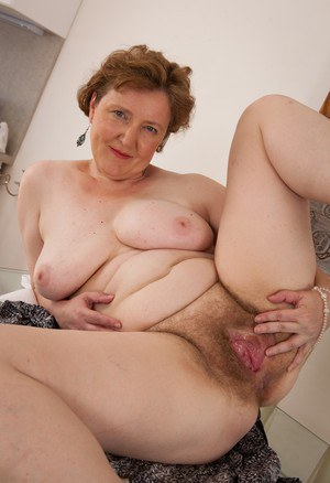 red shaved pussy